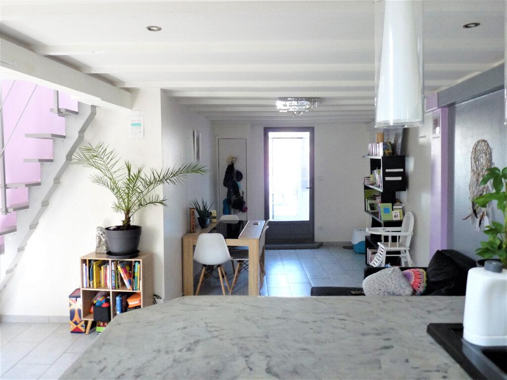 Maison à vendre 3 70m2 à Marseille 16 vignette-2