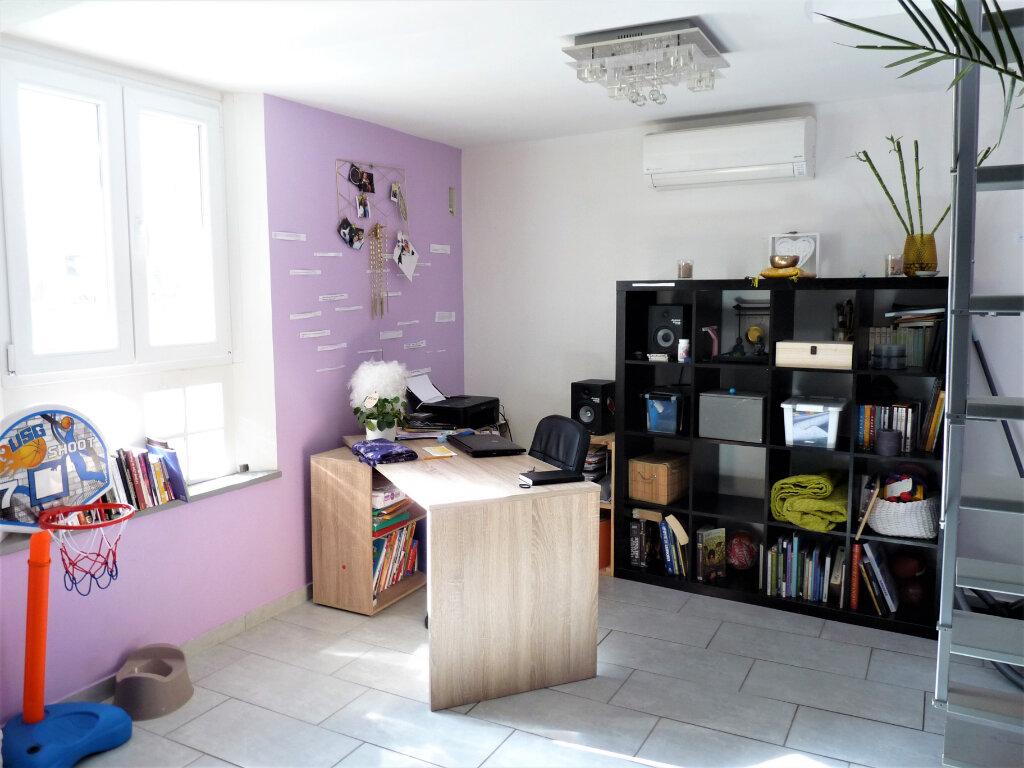 Maison à vendre 3 70m2 à Marseille 16 vignette-3