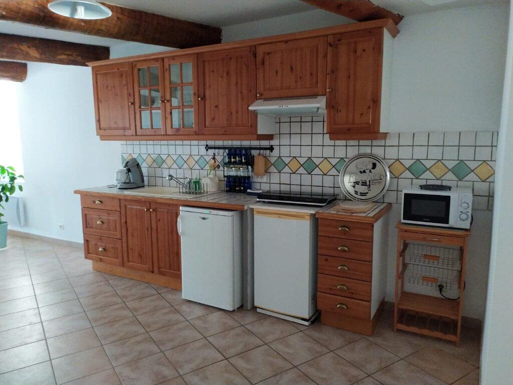 Appartement à louer 3 87m2 à Lambesc vignette-2