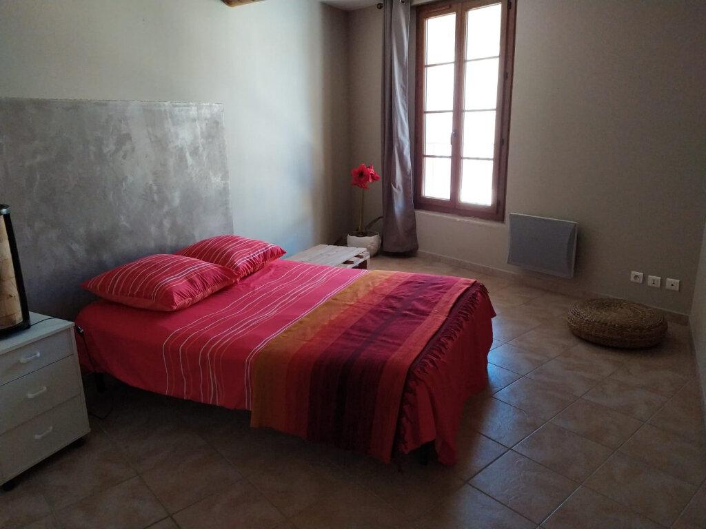 Appartement à louer 3 87m2 à Lambesc vignette-4