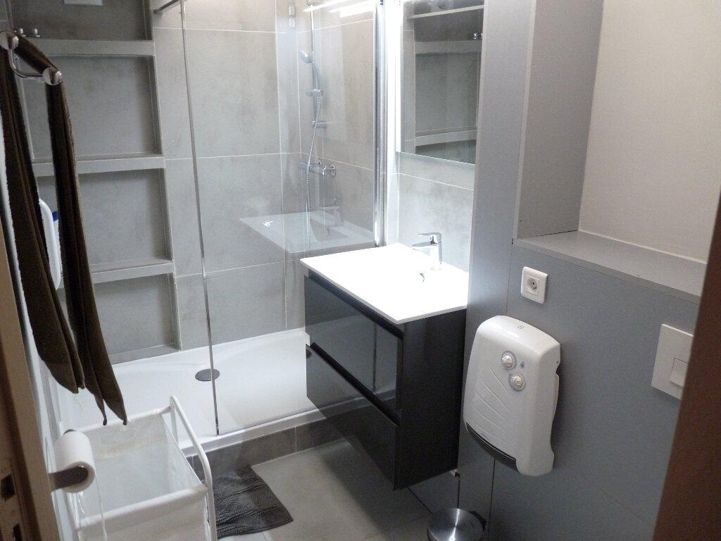 Appartement à louer 2 70m2 à Les Pennes-Mirabeau vignette-3