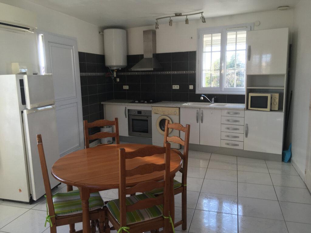Appartement à louer 2 39m2 à Salon-de-Provence vignette-3