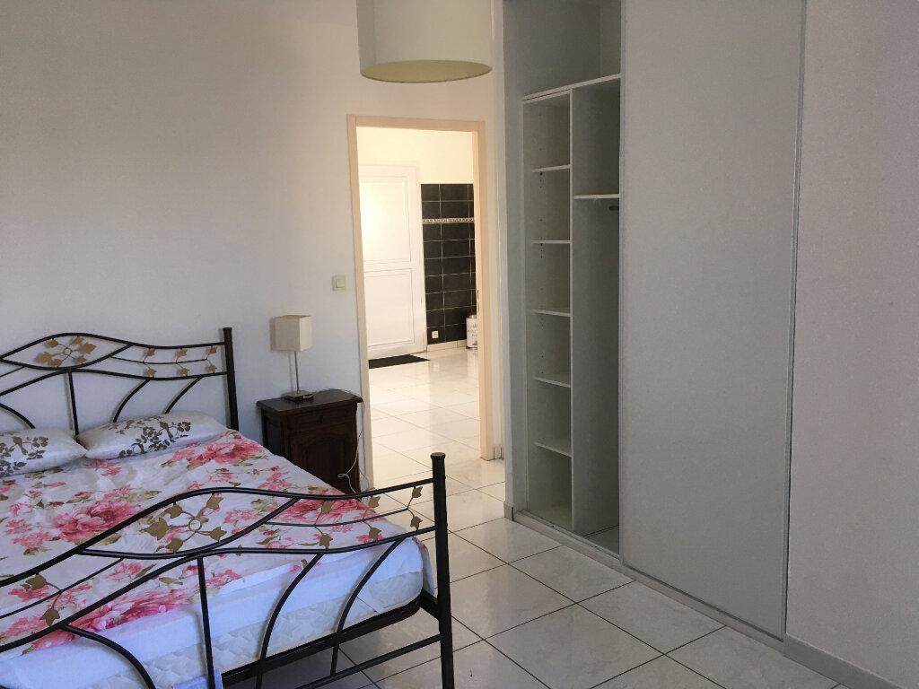 Appartement à louer 2 39m2 à Salon-de-Provence vignette-6