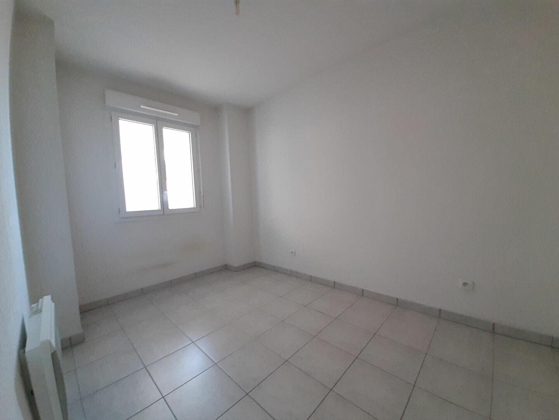 Appartement à louer 2 41m2 à Belcodène vignette-5