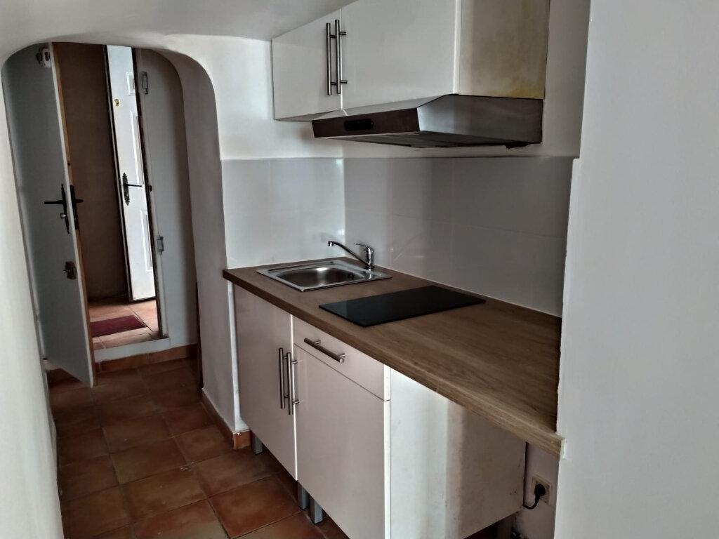 Appartement à louer 1 20m2 à Saint-Cannat vignette-1