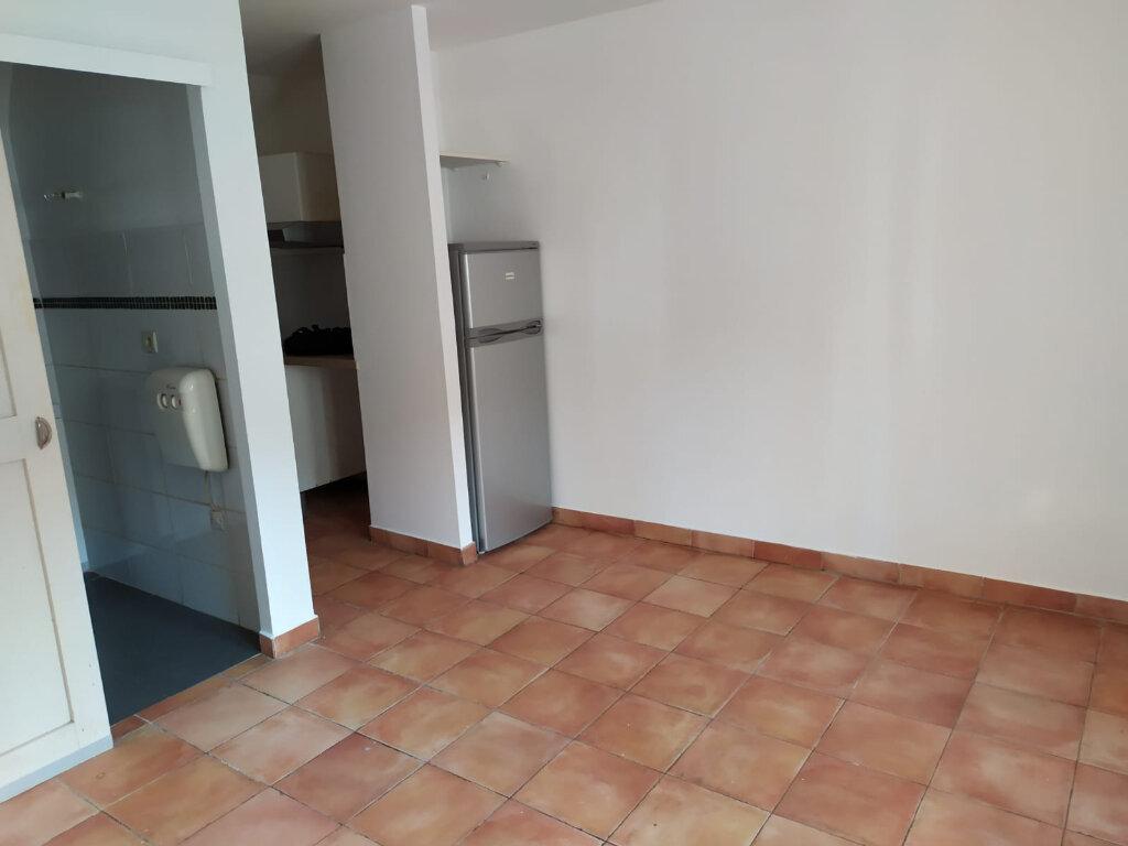 Appartement à louer 1 20m2 à Saint-Cannat vignette-4