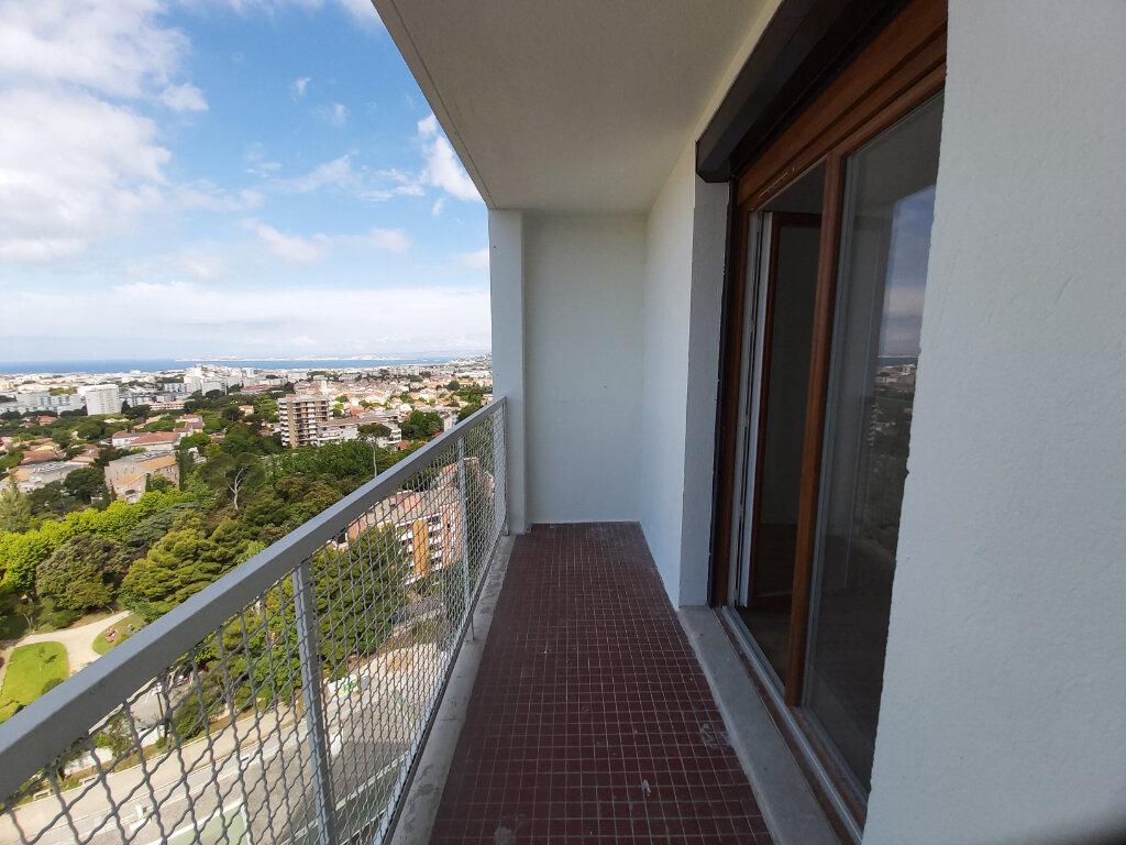 Appartement à louer 4 69.02m2 à Marseille 9 vignette-1