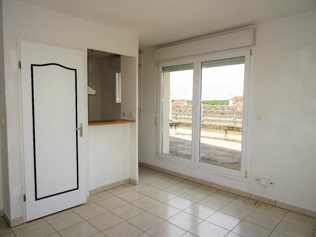 Appartement à louer 2 34m2 à Alençon vignette-3