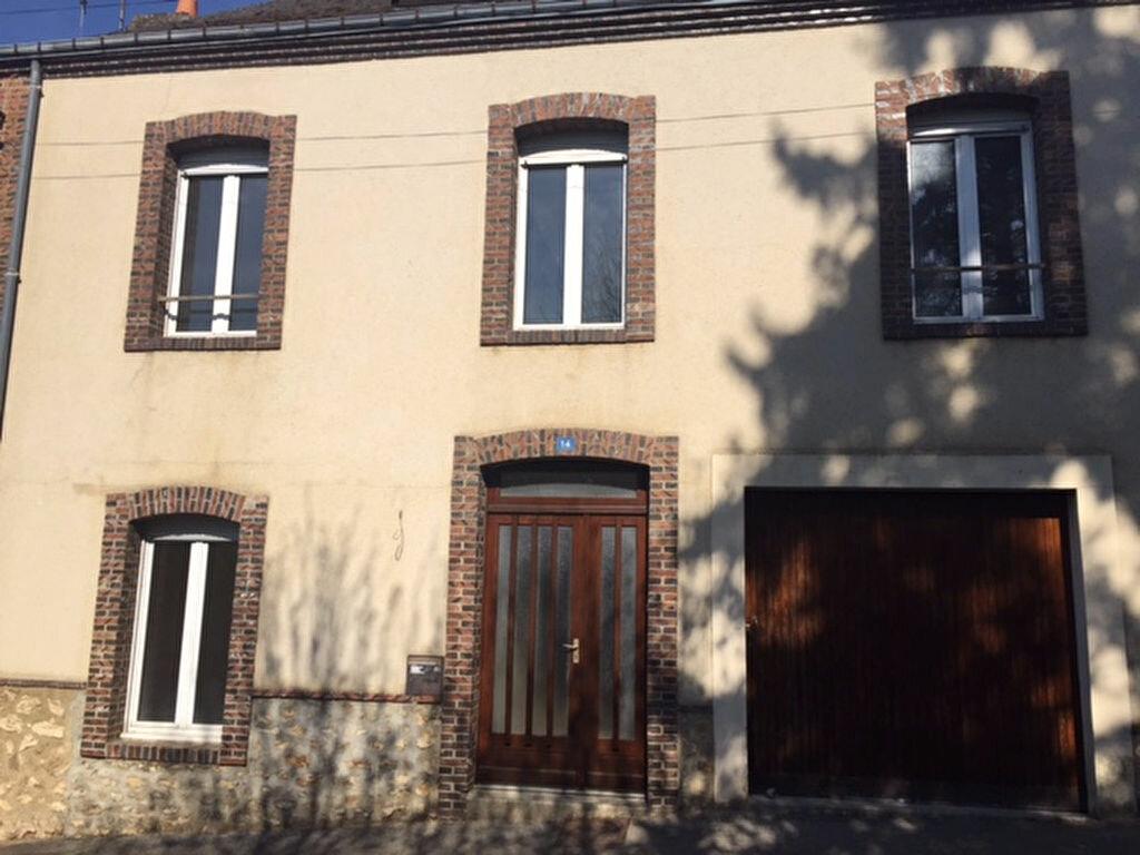 Maison à louer 6 138.5m2 à Nogent-le-Rotrou vignette-1