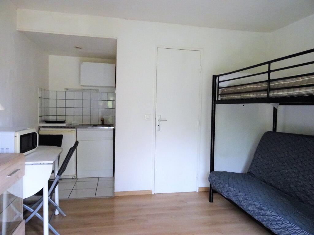 Appartement à louer 1 14.18m2 à Alençon vignette-1