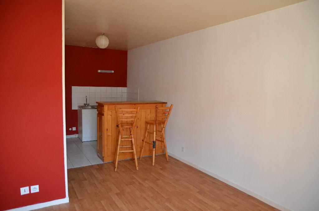 Appartement à louer 2 40m2 à Mortagne-au-Perche vignette-1