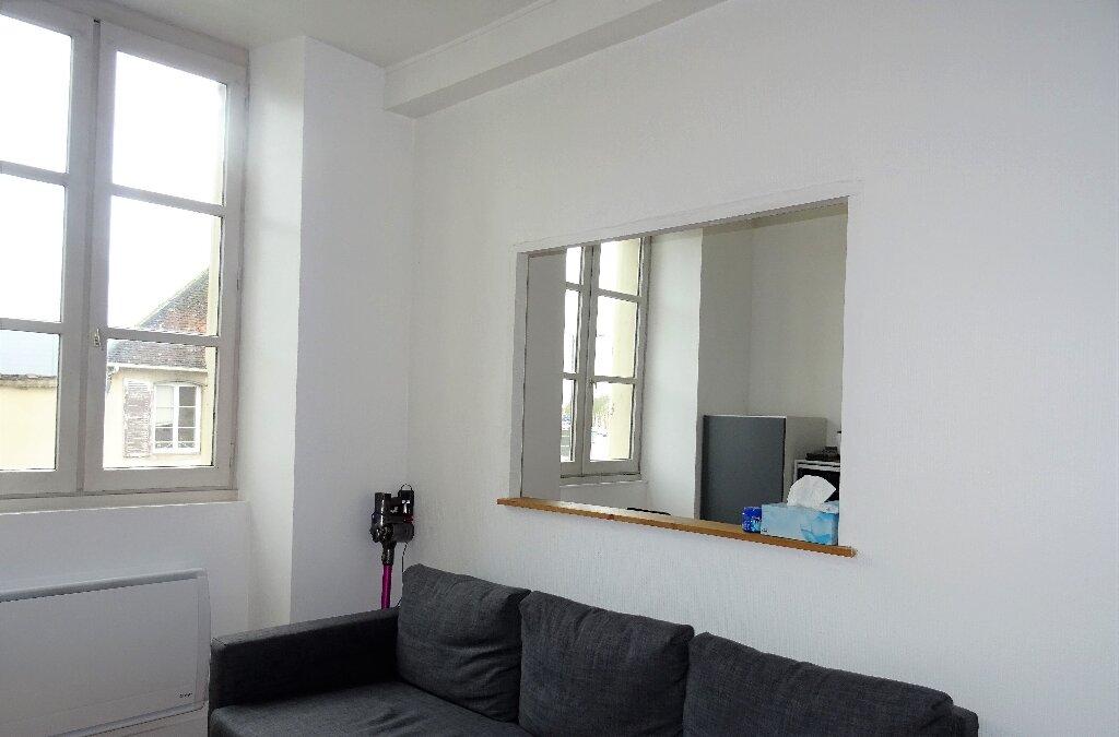 Appartement à louer 2 31m2 à Alençon vignette-3