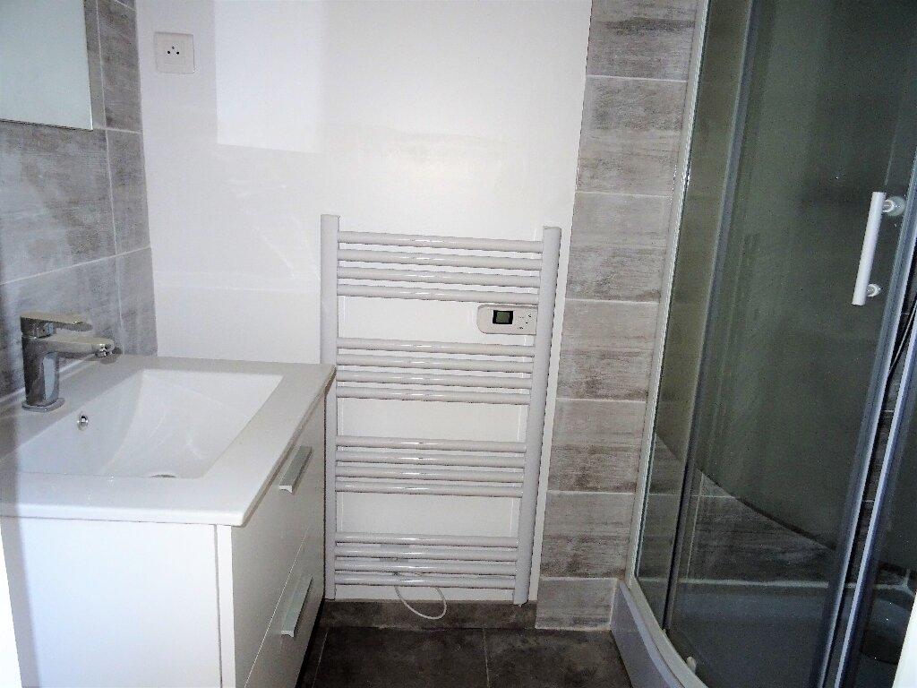 Appartement à louer 2 31m2 à Alençon vignette-5