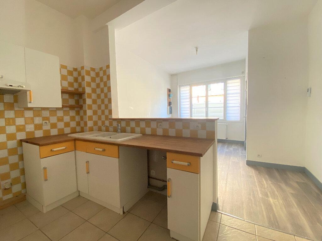 Maison à louer 3 69.4m2 à Alençon vignette-2