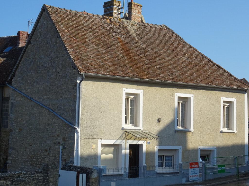 Maison à vendre 4 80m2 à Rouessé-Fontaine vignette-1