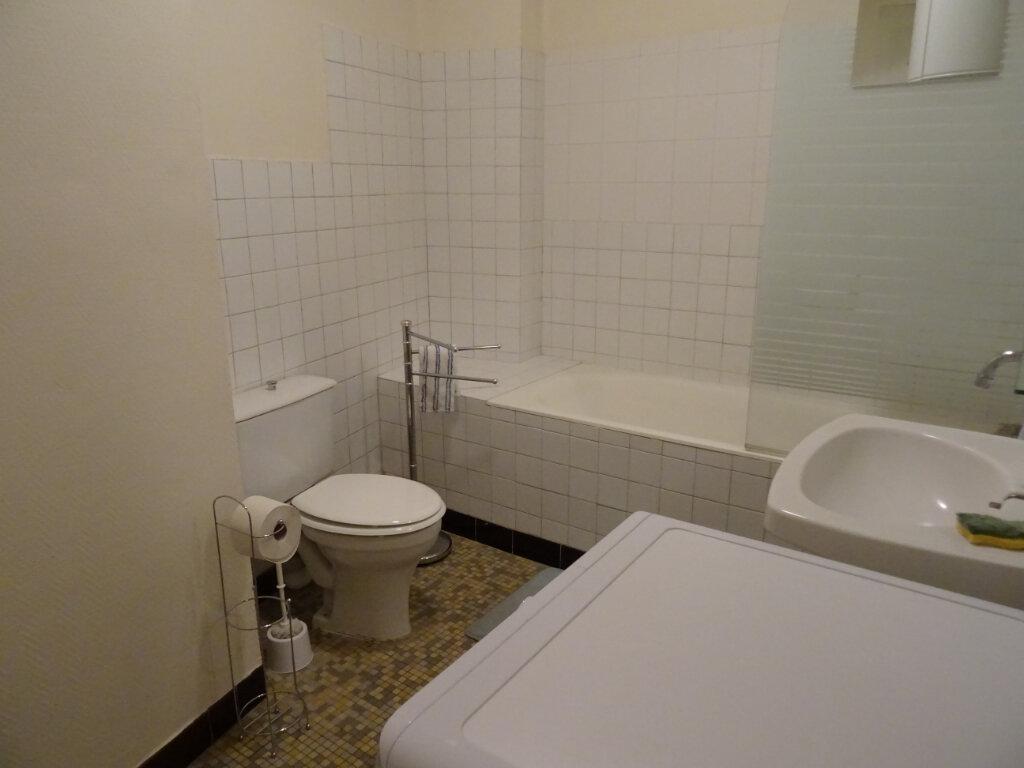 Appartement à louer 1 35m2 à Nogent-le-Rotrou vignette-3