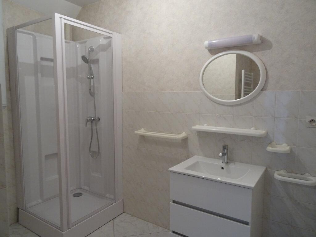 Appartement à louer 2 44m2 à Nogent-le-Rotrou vignette-3