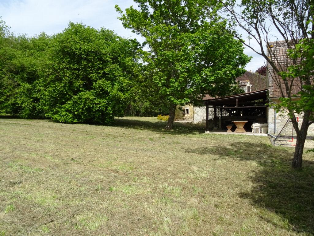 Maison à louer 8 246m2 à La Rouge vignette-2