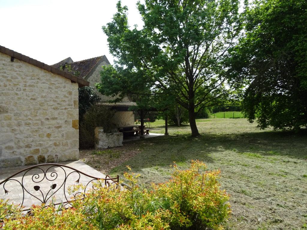 Maison à louer 8 246m2 à La Rouge vignette-15