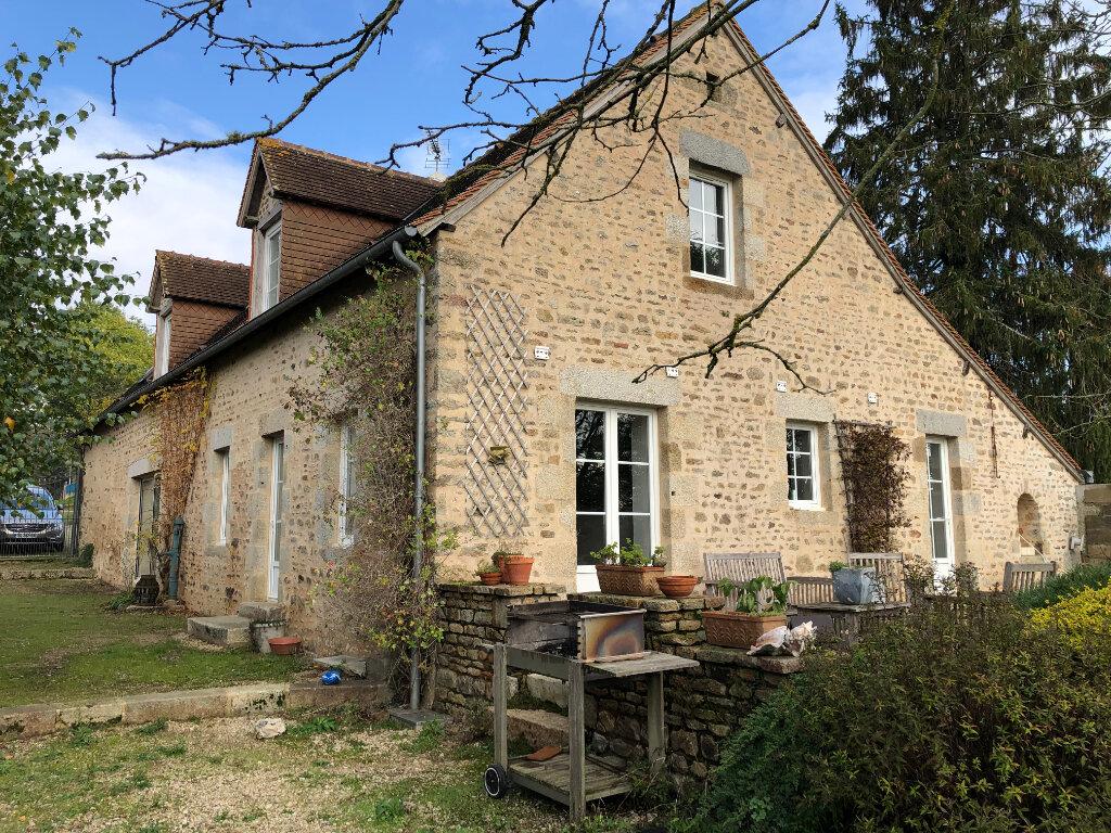 Maison à vendre 7 170m2 à La Ferrière-Bochard vignette-1