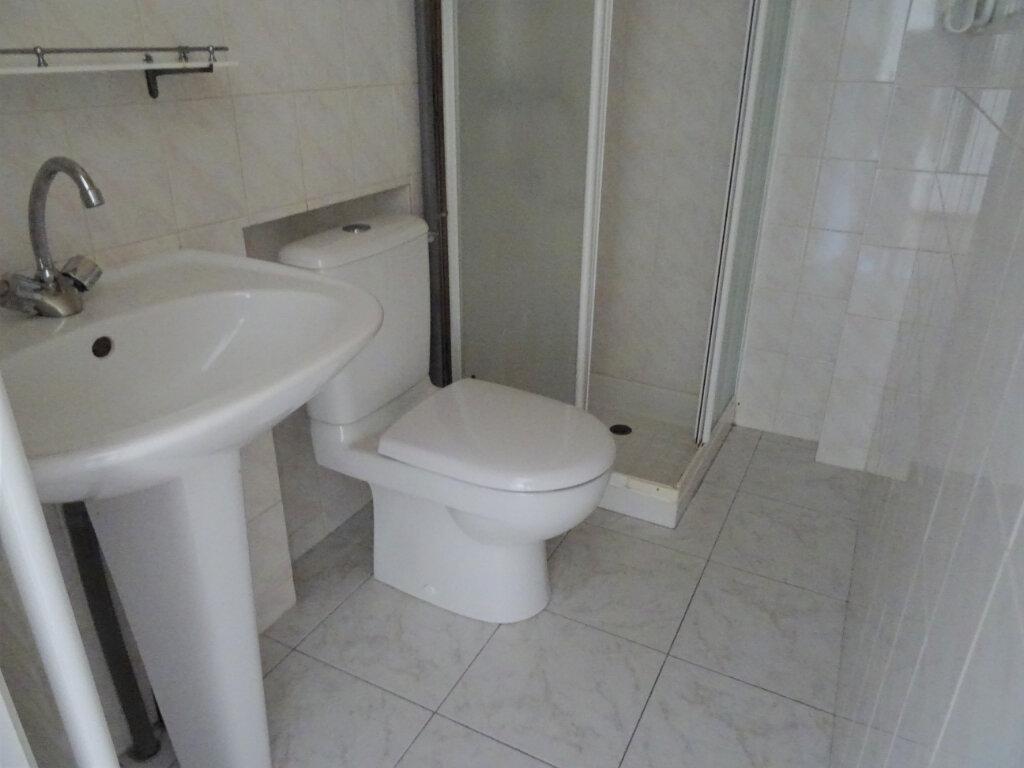 Appartement à louer 2 20m2 à Nogent-le-Rotrou vignette-7