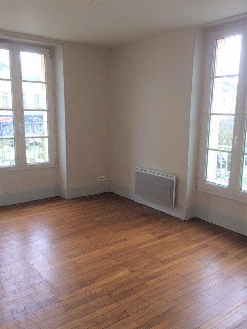 Appartement à louer 3 60m2 à Mortagne-au-Perche vignette-2
