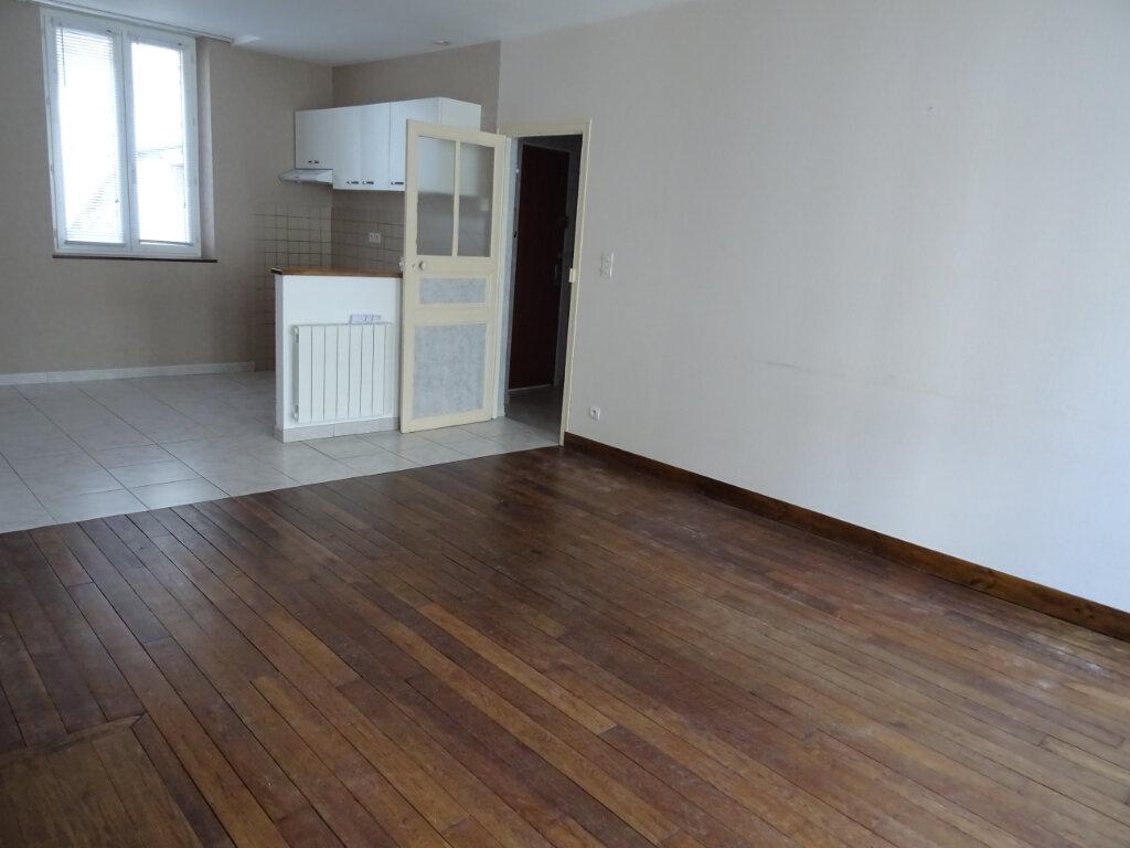 Appartement à louer 2 50m2 à Nogent-le-Rotrou vignette-1