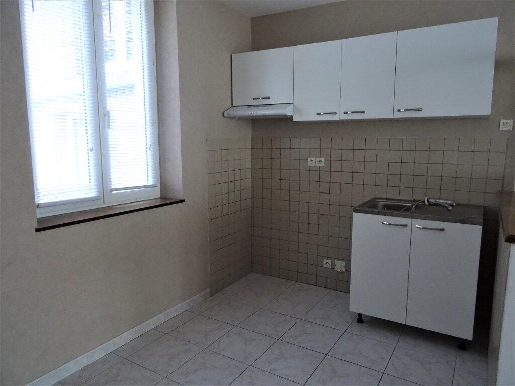 Appartement à louer 2 50m2 à Nogent-le-Rotrou vignette-2