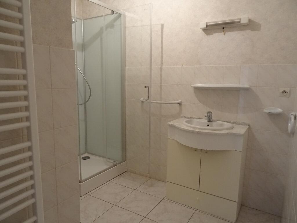 Appartement à louer 2 50m2 à Nogent-le-Rotrou vignette-4