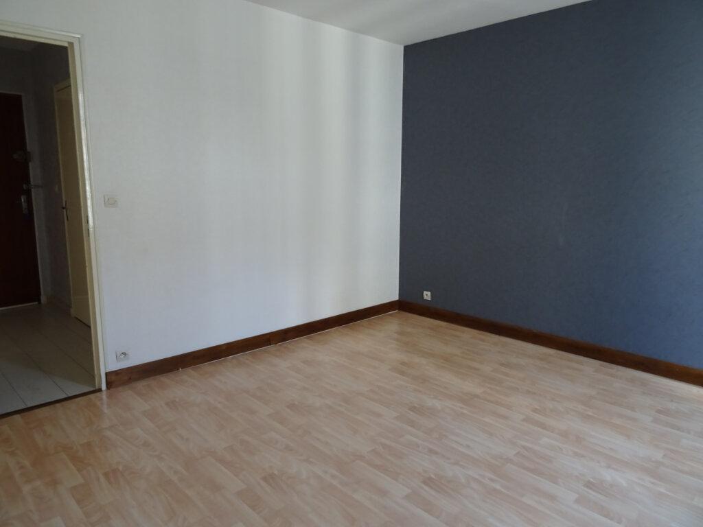 Appartement à louer 2 50m2 à Nogent-le-Rotrou vignette-7