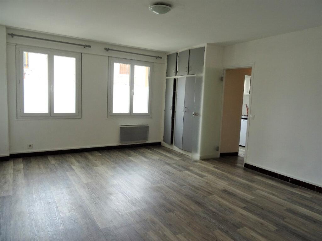 Appartement à louer 1 31m2 à Nogent-le-Rotrou vignette-1