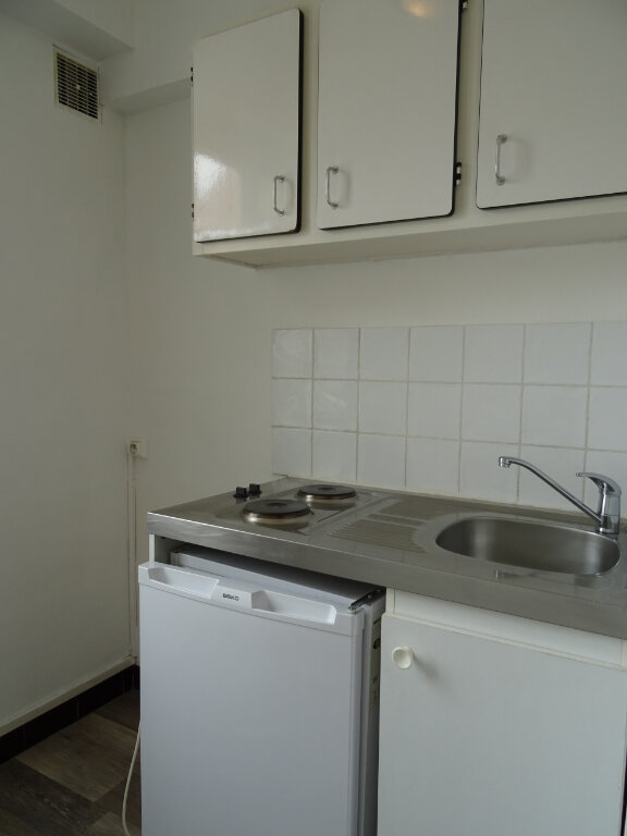 Appartement à louer 1 31m2 à Nogent-le-Rotrou vignette-2