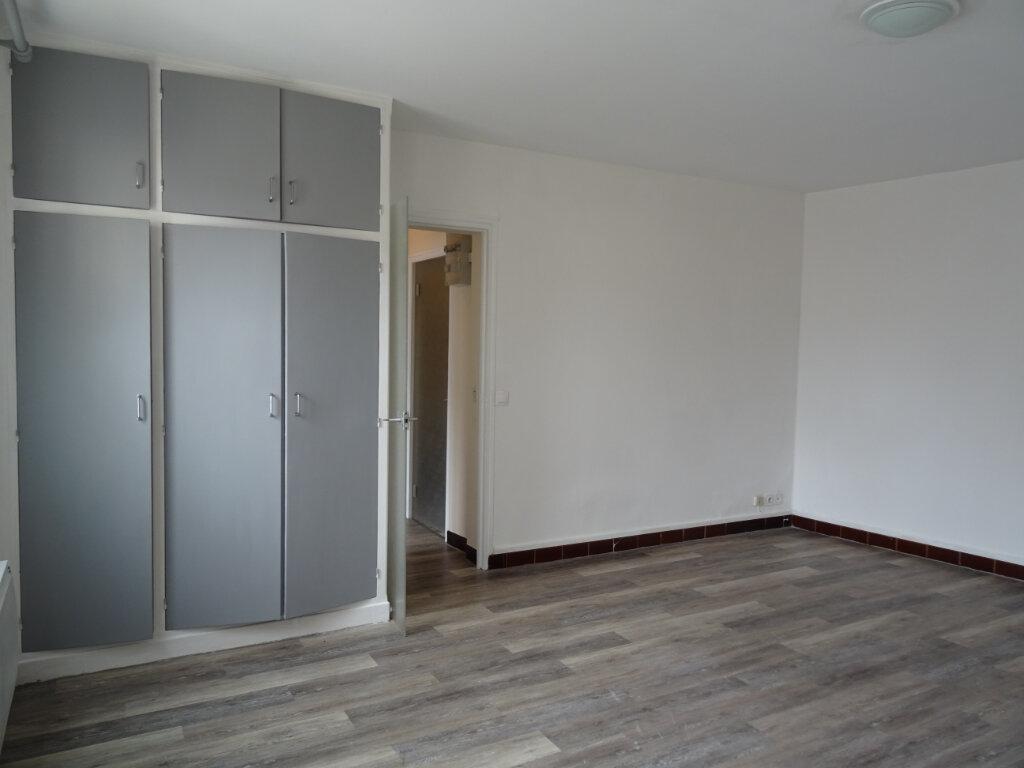 Appartement à louer 1 31m2 à Nogent-le-Rotrou vignette-3