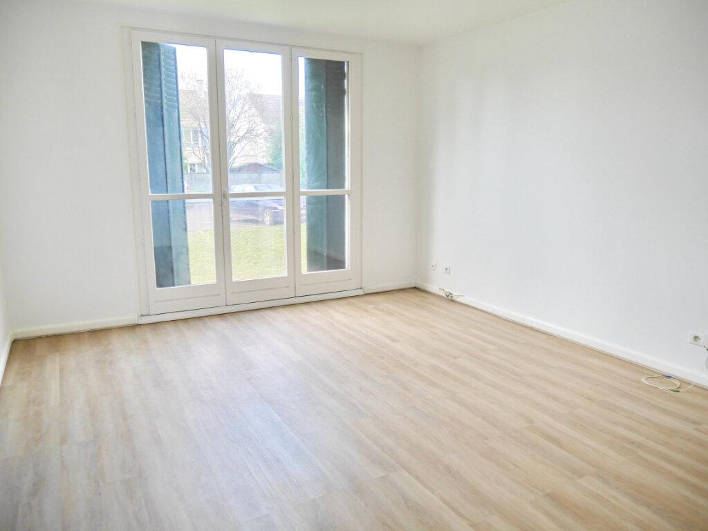 Appartement à louer 3 54m2 à Herblay vignette-1