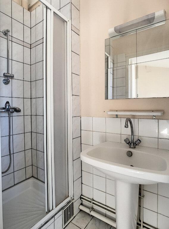 Appartement à louer 2 38.43m2 à Lille vignette-5