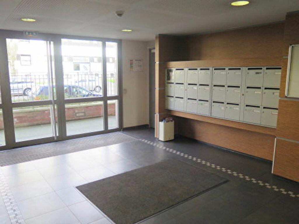Appartement à vendre 2 44.9m2 à Lille vignette-2