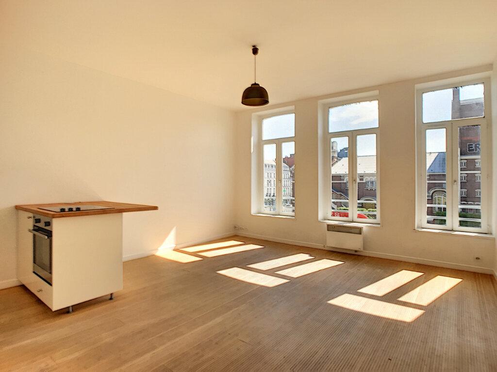 Appartement à louer 2 48m2 à Lille vignette-1