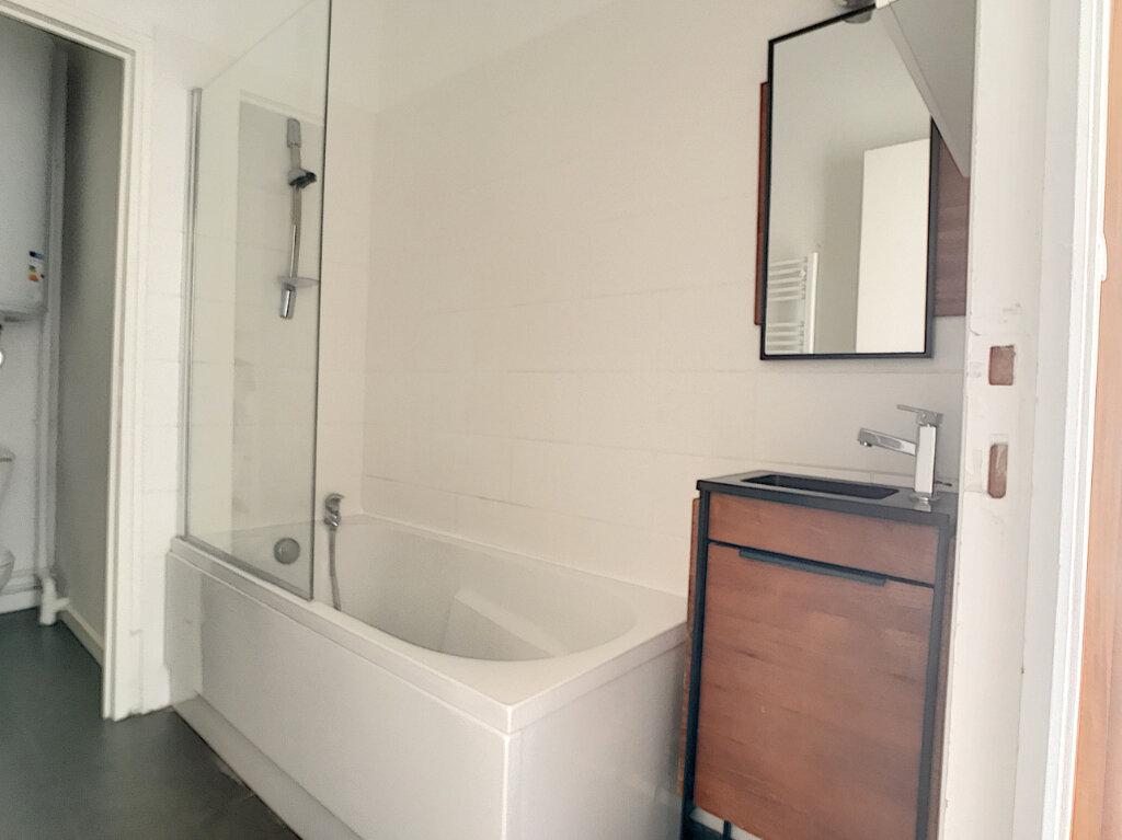 Appartement à louer 2 48m2 à Lille vignette-7
