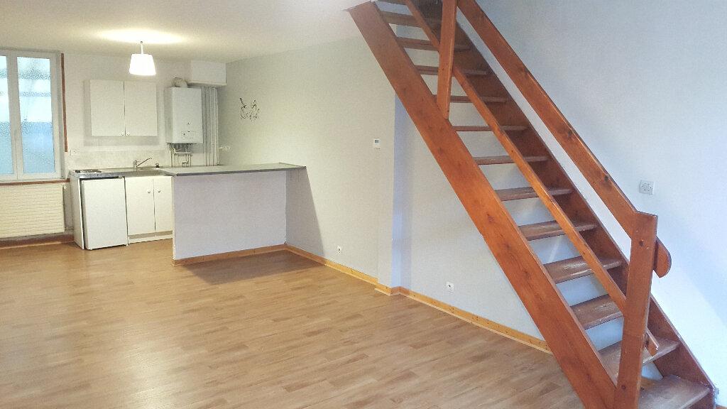 Appartement à louer 3 56.3m2 à Faches-Thumesnil vignette-1