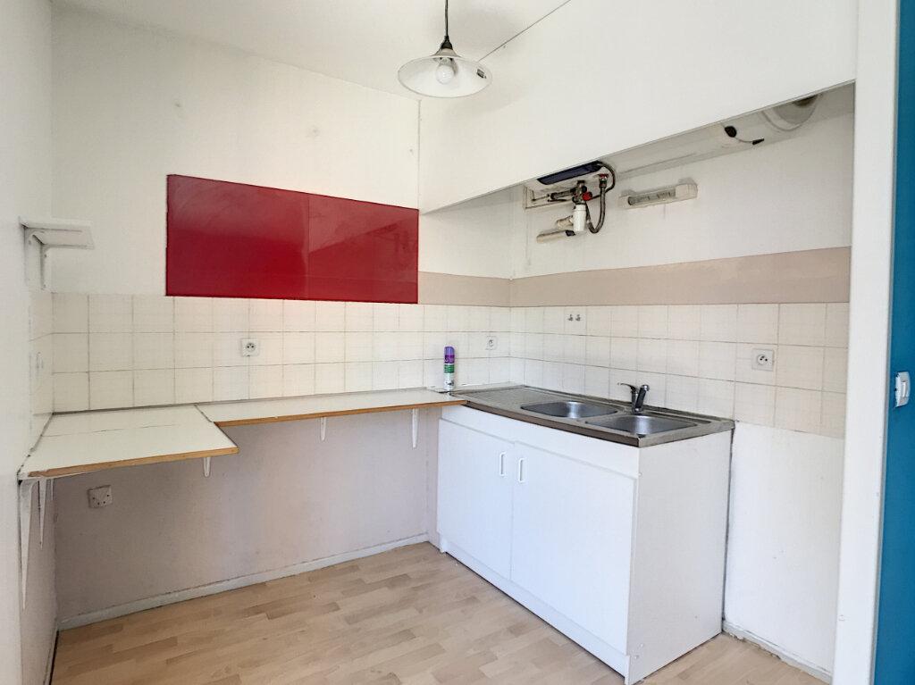 Appartement à louer 2 46.04m2 à Lille vignette-4