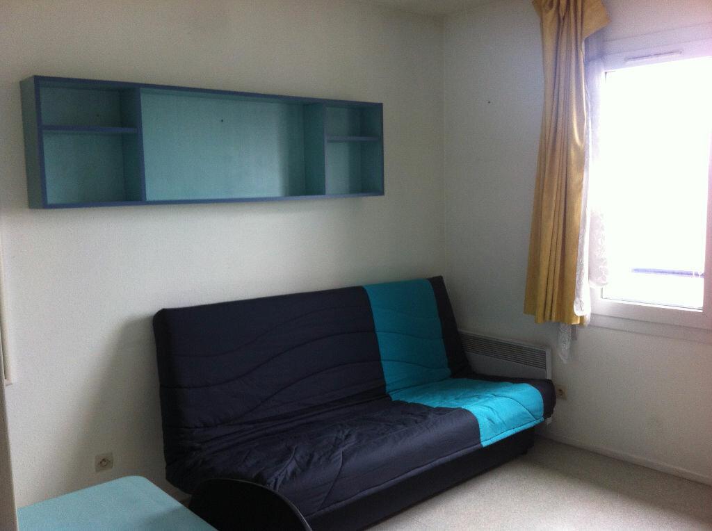 Appartement à louer 1 17.64m2 à Lille vignette-1