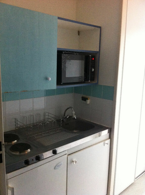 Appartement à louer 1 17.64m2 à Lille vignette-3