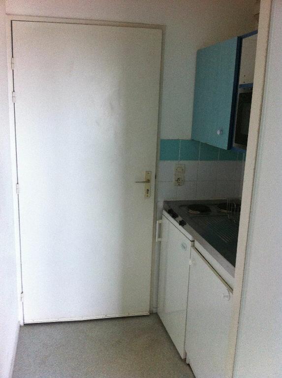Appartement à louer 1 17.64m2 à Lille vignette-4