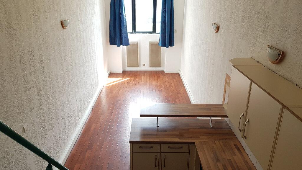 Appartement à louer 1 35m2 à Tourcoing vignette-1