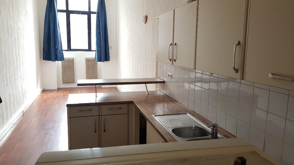 Appartement à louer 1 35m2 à Tourcoing vignette-2