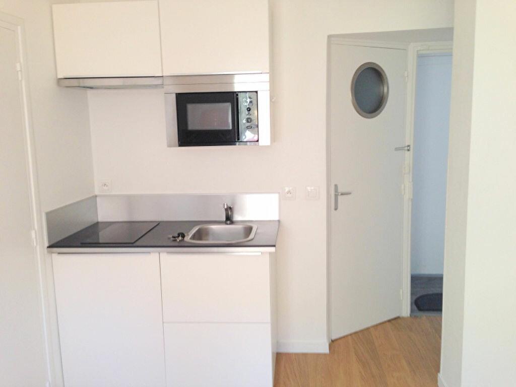 Appartement à louer 2 21.78m2 à Lille vignette-1