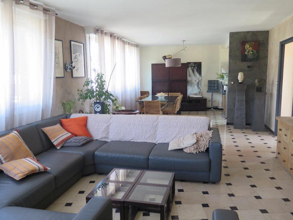 Appartement à vendre 5 155m2 à Lille vignette-1