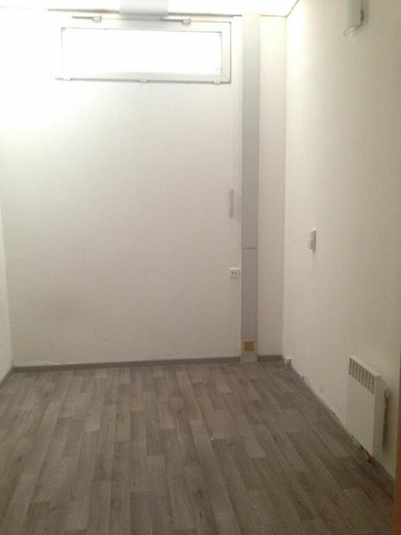 Appartement à louer 2 51.99m2 à Lille vignette-3
