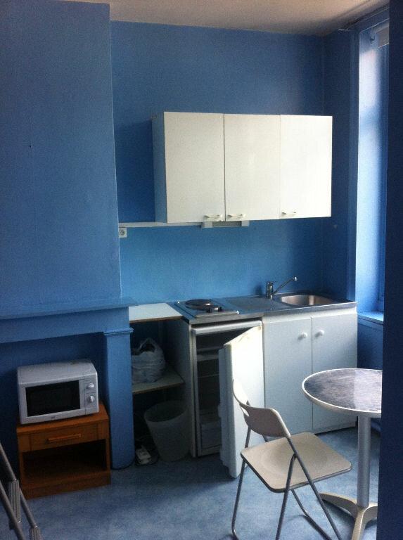 Appartement à louer 1 11.79m2 à Lille vignette-1