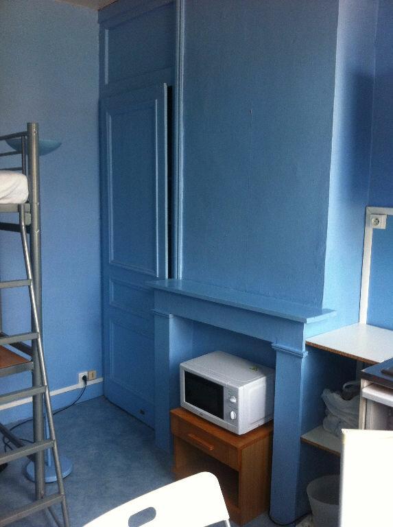 Appartement à louer 1 11.79m2 à Lille vignette-5